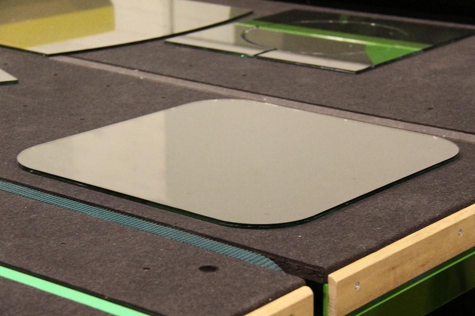Hegla-laminated-glass-cutting-machine