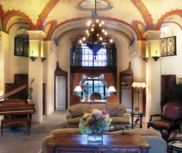 Baltimore Hotel inside