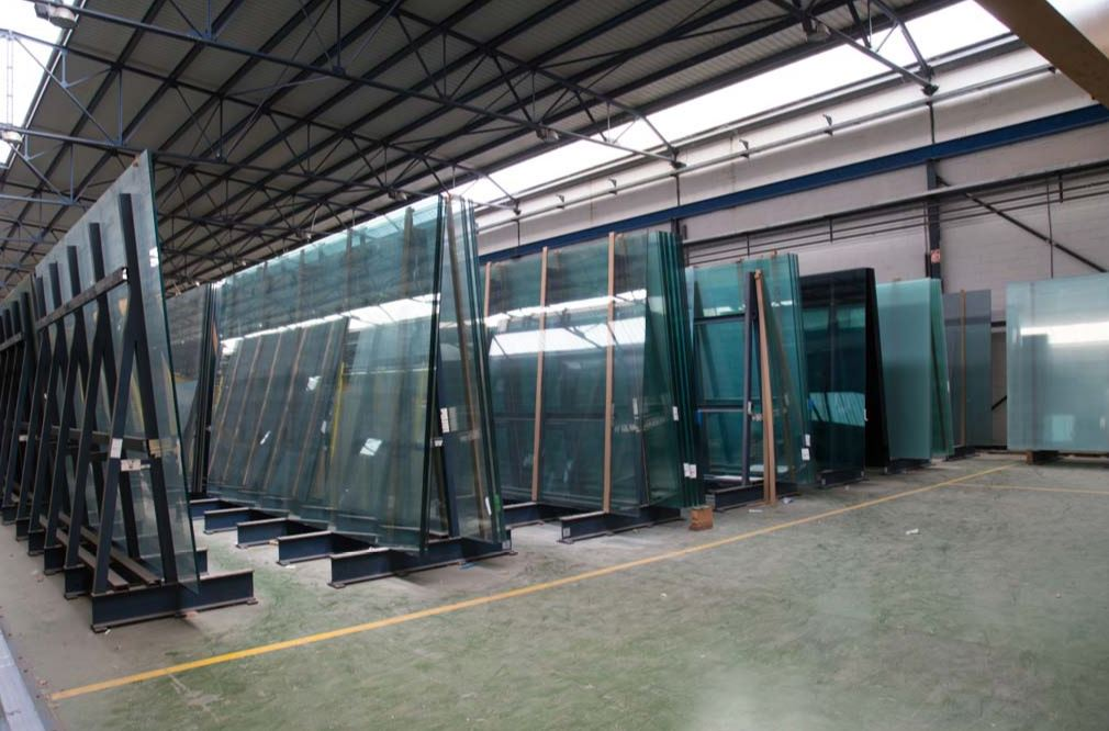 storing laminated glass