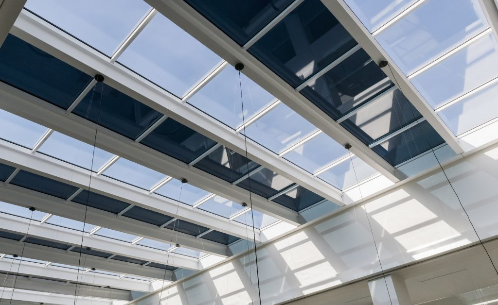 The advantages of electrochromic glazing