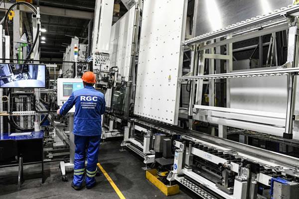 Russian Glass Company (RGC) chooses Forel for glass edging and for extra-jumbo IG production