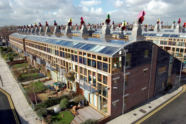 To meet design and environmental performance targets, Solarvolt™ BIPV modules can be used with any Vitro low-emissivity (low-e) coating and glass substrate. BedZED, London, England