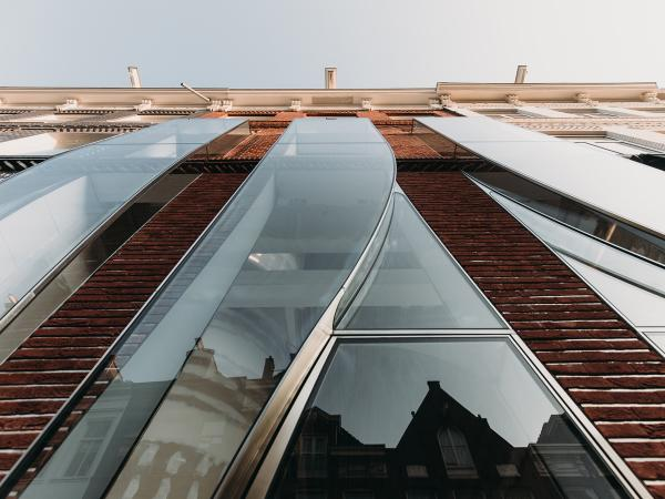 Complex Curved Storefront: The Looking Glass