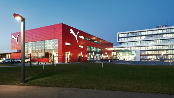 Solarvolt™ BIPV façades can integrate structural, insulated and/or opacified spandrel glass for maximum energy generation. PUMA Plaza, Herzogenaurach, Germany
