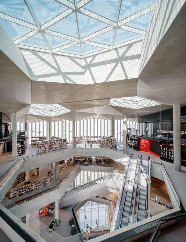 OKALUX: Deichman Bjørvika Library - Norwegian Light Show